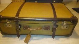 Stara walizka retro, dekoracja,okucia- skóra