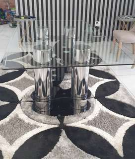 Stunning Dinning table for sale