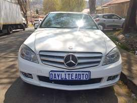 2010  MERCEDES Benz C180 CDi Automatic and leather seats