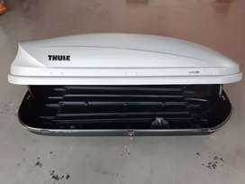 Thule Pacific 200 rooftop carrier