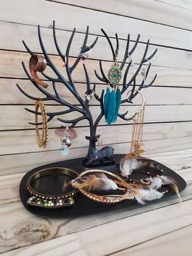 Jewellery Stand (Jewellery not included)