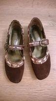 Продам красивые женские туфли.