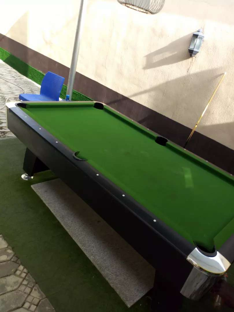 Snooker table 0