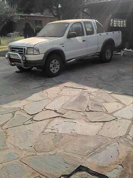 Ford  Ranger 4l V6 2006 cab and a half