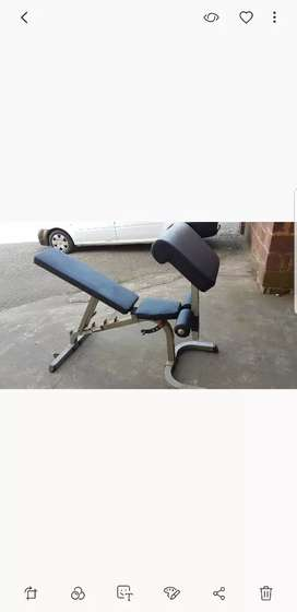 Commercial quality gym bench