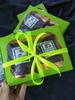 Подарок новогодний в коробке с лентой, подарочный набор вкусного чая