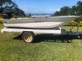Small Fishing boat/ cruising boat with 30hp Yamaha with trailer