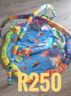 Secondhand Play mat