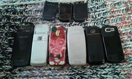 Old phones for sale R300 for all of it no chatters available for it