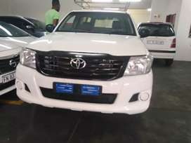 Toyota hilux single Cab with canopy