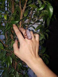 Кольцо перстень с розовым кварцем