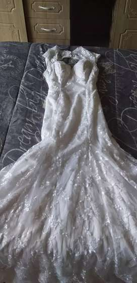 10kt solid gold / wedding dress