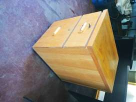 Wooden filing cabinet with 2 drawers