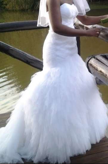 Wedding dress for sale/hire 0