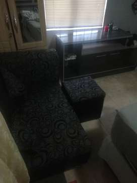 Ngidayisa o sofa  1500 now 2ps