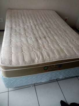 Single bed, double bed
