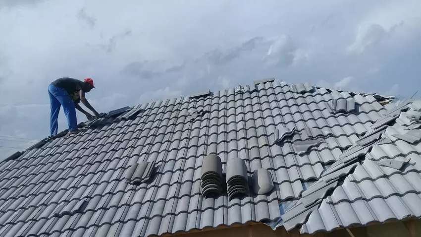 ROOFING AND RENOVATION 0