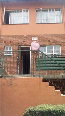 Neat 3 bedroomed unit, in a quiet area of Windsor East.