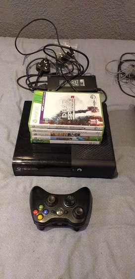 Xbox 360 & PS3 with games and controllers