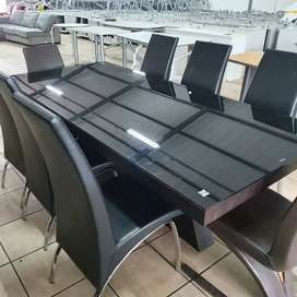 8 Seater Glass Dining room suite for sale