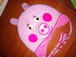 Тёплая вязаная детская шапка