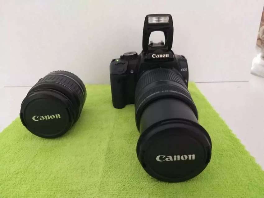 Canon EOS 400D Digital camera, with twin lens and carry bag. 0
