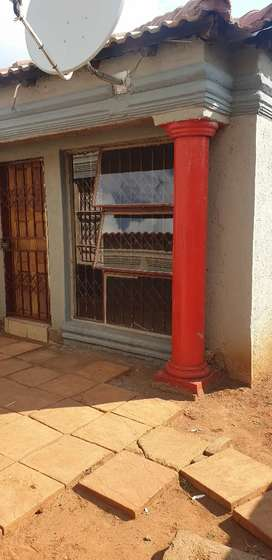 Well furnished bachelor flat available