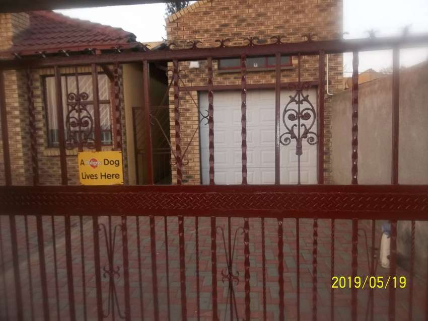 (2 houses) 3 bedroom, 2 bath fully fitted, with garage and SQ 0