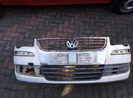 Vw touran front bumper with grill