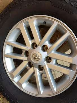 Hilux/Fortuner Mags & Tyres x 4