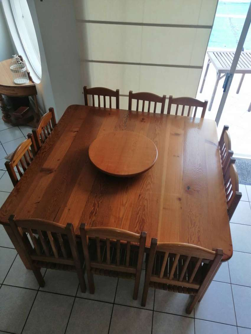 10 seater Oregon dining room set with lazy Suzan 0