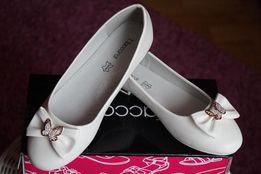 Сказочные туфли для девочки белые новые нарядные р.30,31,34,35