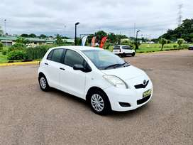 2010 TOYOTA YARIS - EXCELLENT CONDITION