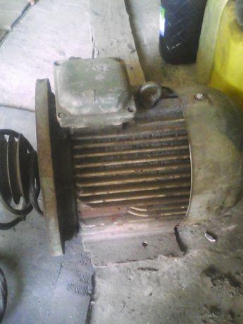 Продам двигатель переменного тока