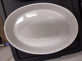 Oval oven dish/ casserole dish