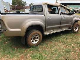 breaking toyota hilux d4d for spare