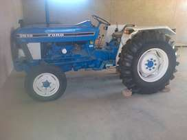 Ford 2610 tractor