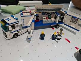 Lego police mobile unit truck