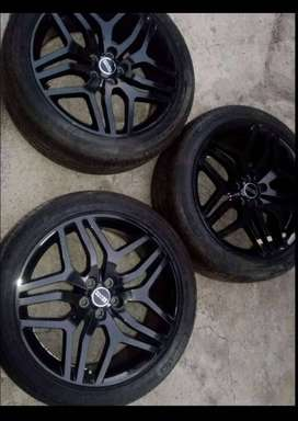3 Range Rover Mags and tyres