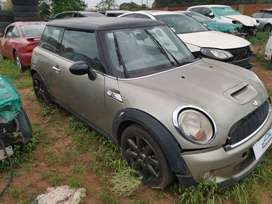 MINI COOPER S 2011 R56 STRIPPING AS SPARES
