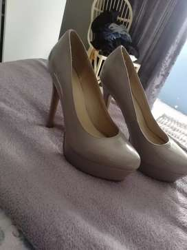 Size 7 Heel for sale