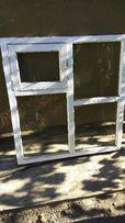 Окна. Застекленные деревянные оконные рамы.