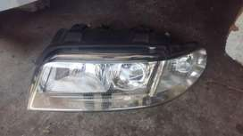 Neat Audi A4 B6 Headlight