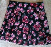 rozkloszowana spódnica w kwiaty H&M