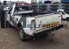 TOYOTA HILUX D4D 2.5 (STRIPPING FOR PARTS ONLY)