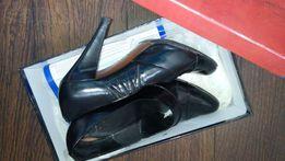 Туфли 36 размер Carlo Pazolini черные лак каблук 7 см