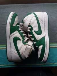 White & Green Nike Shoes Original - Quick sale 0
