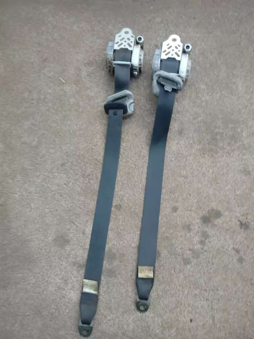 Toyota run x front safety belts 0