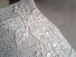 В'язаний светр м'яка стрічкова пряжа,вишивка,ANDREA біло-молочний,50р