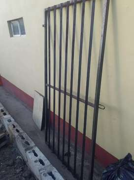 Used doors and gatea